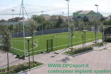 0ff8cfd79 DPCsport costruzione campo da calcetto a 5/8 in erba sintetica e in ...